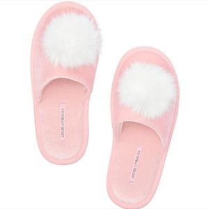 NWT Victoria's Secret Pom-Pom Slippers - Pink